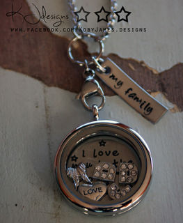 Customer Story : Tracy and her Mi Vita Encantada Pendant