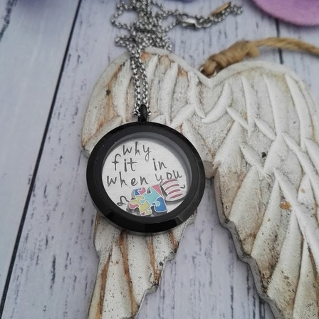 Locket - Black Round